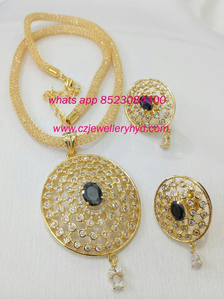 fancy short necklace set: 0619229N